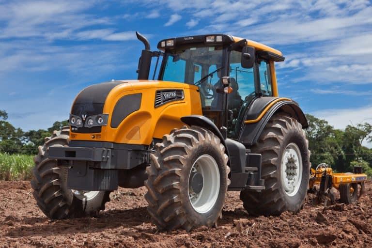 Чем отличается трактор от экскаватора